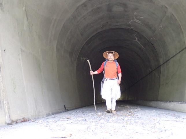 東俣林道を歩く
