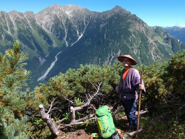 六百山の頂上からは北アルプスの展望が広がります