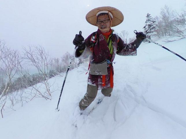 疎林帯まで下ると多少スキーになりました