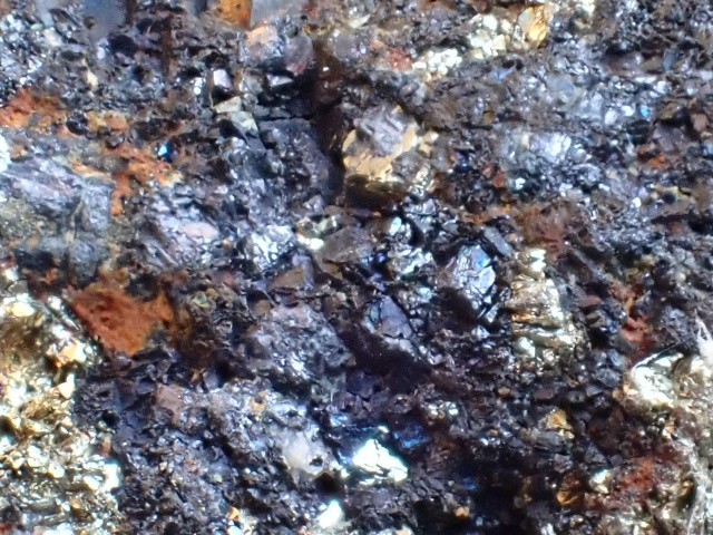 閃亜鉛鉱と黄鉄鉱